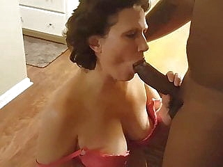 mature creampie upornia interracial