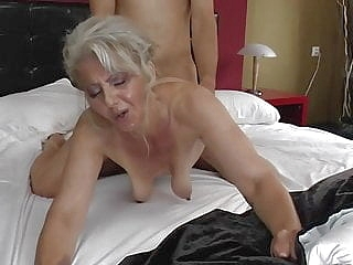 blonde mature upornia nipples