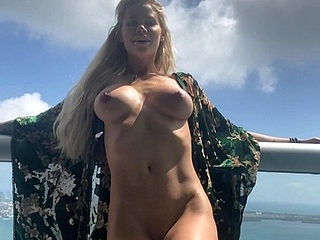 amateur big boobs upornia blonde
