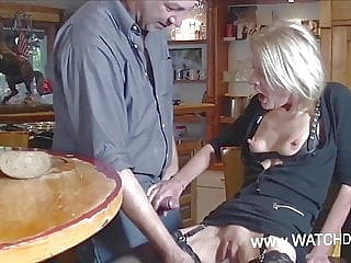 blonde blowjob upornia fingering