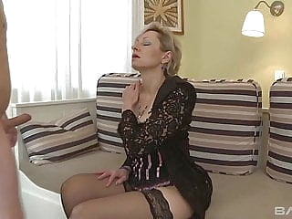 amateur blonde upornia blowjob