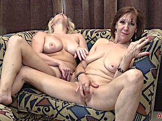big tits blonde upornia brunette
