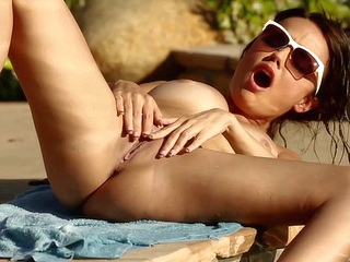 brunette hd upornia outdoor