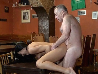 brunette doggystyle upornia hd
