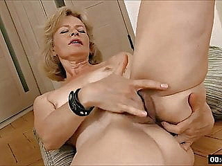 blonde fingering upornia hairy